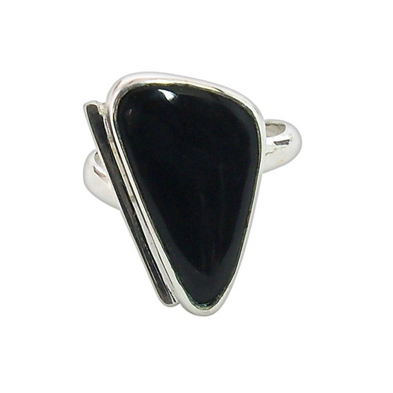 Black Onyx and Sterling Silver Ring, Size 5-1/4  r525onxe1880