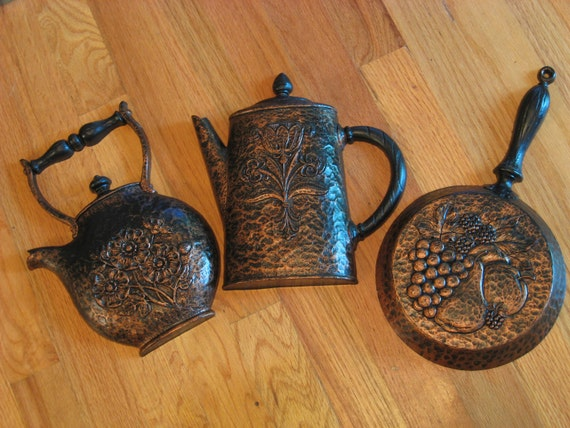 Home Interiors Wall Hanging Frying Pan Tea and Coffee Pot 1972 HOMCO