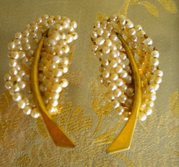 1950's Gold Pearl Leaf Earrings