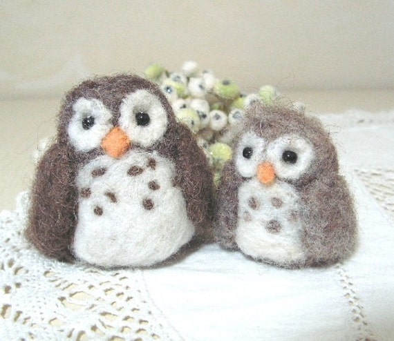Mama Hoots and baby Tweet owls, needlefelted toy or fun decor for collectors or gift