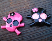 Black and Hot Pink skull punk crossbone Resin that is great for all crafts especially Hairbow centers flatback