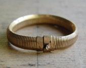 vintage bracelet / 1950s jewelry / SLINKY
