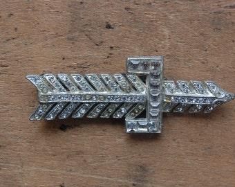 Art Deco dress clip / 1930s jewelry / ARROW