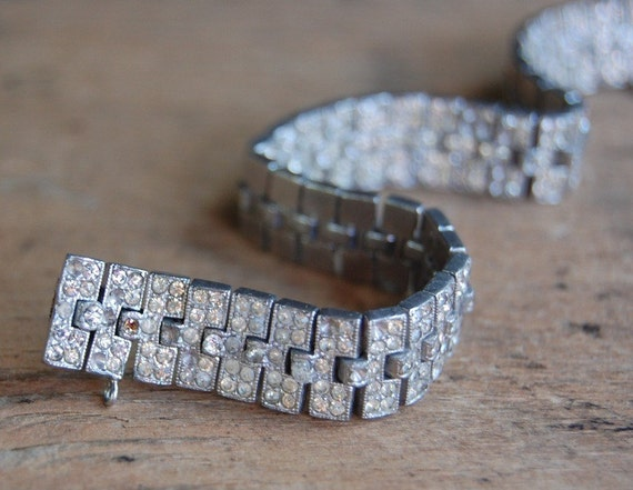 vintage Art Deco bracelet / 1930s jewelry / FINESSE