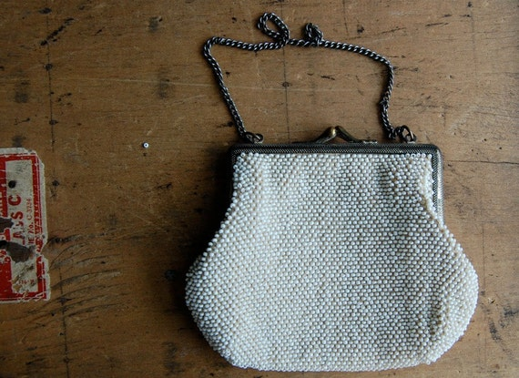 vintage beaded purse / 1920s accessories / COUNTESS
