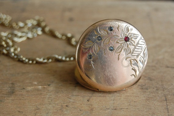 RESERVED /// vintage Edwardian locket / 1910s jewelry / BEATRICE