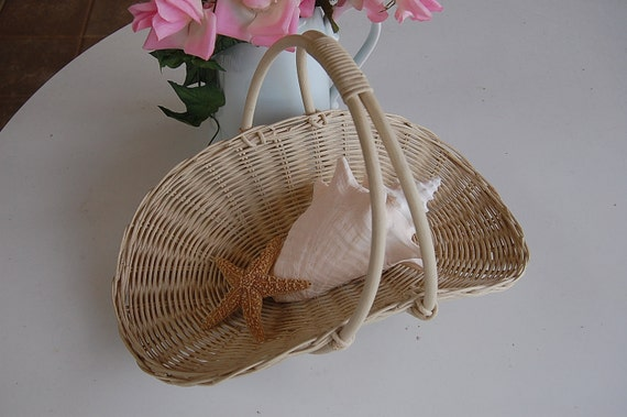 Vintage White Wicker Basket with Handle Shabby chic cottage prairie style at Retro Daisy Girl