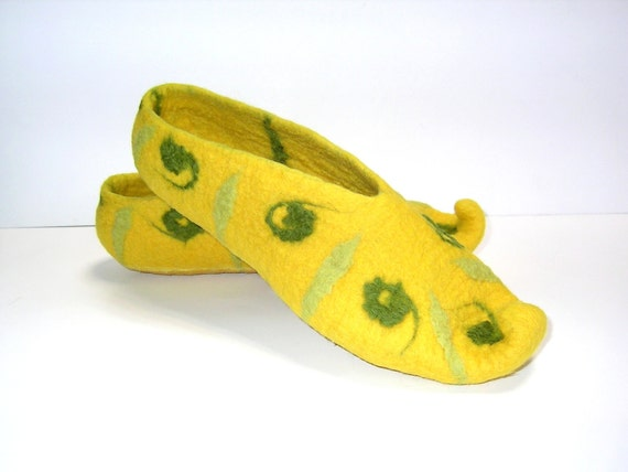 Oriental spices ... Turmeric ... Felt slippers Yellow Olive Green Saffron Lime Golden Sun