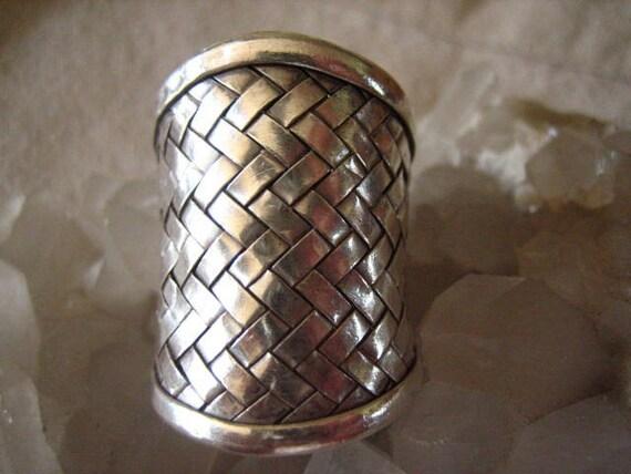 Vintage Sterling Silver Basket Weave Huge Ring 9 US  .....775