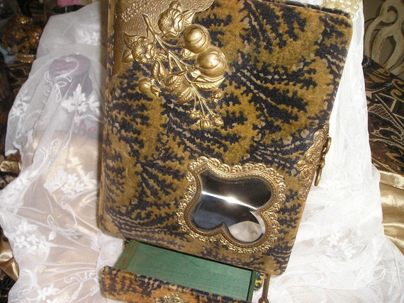 Antique Victorian Velvet Ornate Photo Album With Drawer&Stand incl.39 Cabinet Photos Very Nice