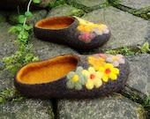 Felted black wool slippers. Flower decorated.