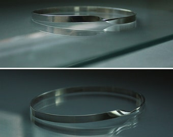 MOBIUS science meets art. Plain, high polished or mat, solid sterling silver 925 bangle bracelet. Any size. Made to order. Fast.