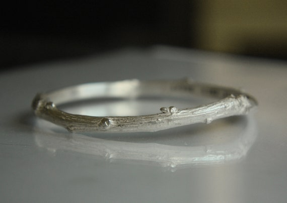 BEAUTY of NATURE. Twig bangle with adorable well made details. 5 mm wide solid sterling silver. Professionally casted from real brunch.
