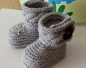 Knitting Pattern (pdf file) Stylish Baby Boots ( sizes 0-6/6-12 months)