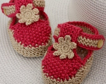 Knitting Pattern (PDF file) T-strap Baby Booties (0-6/6-12 months)