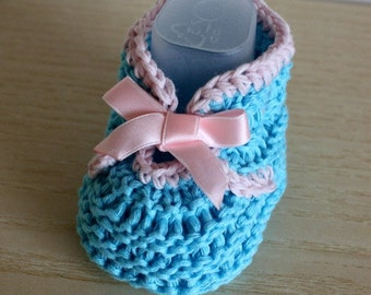 Knitting pattern (pdf file) - Baby Shoes with Ribbon (cotton)