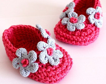 Knitting Pattern (PDF file) Blue Flowers Baby Shoes (sizes 0-6/6-12/12-24 months
