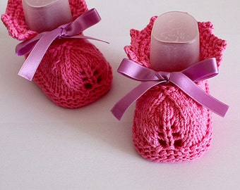 Knitting Pattern (pdf file) Rosa Leaf Baby Booties (sizes 0-3/3-6/6-12 months)