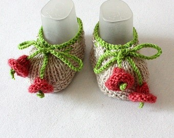 Knitting Pattern (PDF file) Small Bells Baby Shoes ( sizes 0-6/6-12 months)