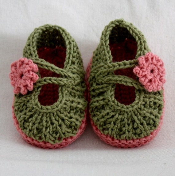 Knitting PATTERN (PDF file) Daisy BABY Booties (0-6/6-12 months)