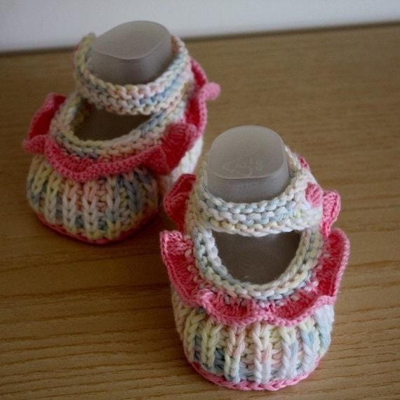 Epipa Knitting Pattern Baby Booties : Knitting Pattern Baby Booties with Flounce 0-6 month