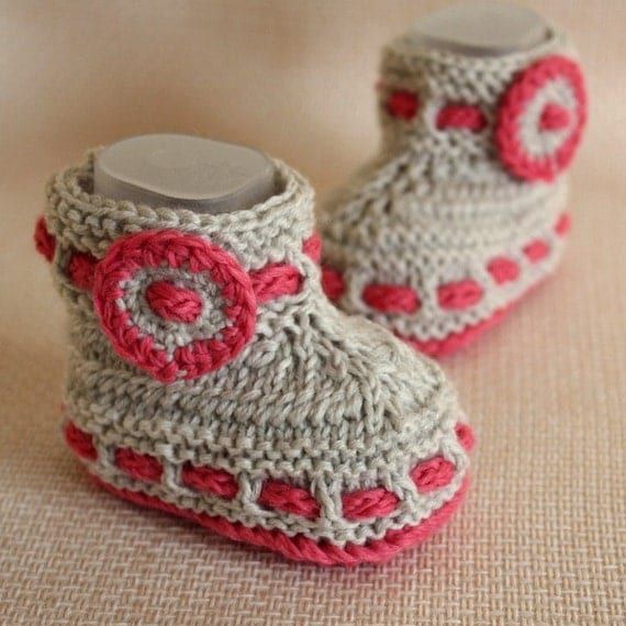 Knitting PATTERN (PDF file) GREY BABY Booties (0-6/6-12 months)