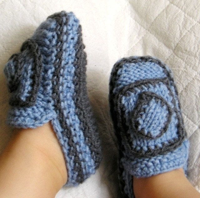 Knitted Moccasin Slippers Pattern : Knitting Pattern PDF file Baby Moccasins with knit