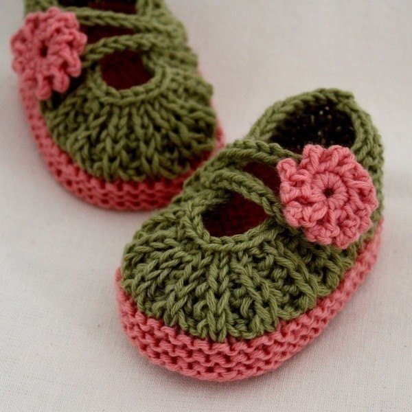 Knitted Baby Moccasins Pattern : Knitting PATTERN PDF file Daisy BABY Booties 0-6/6-12
