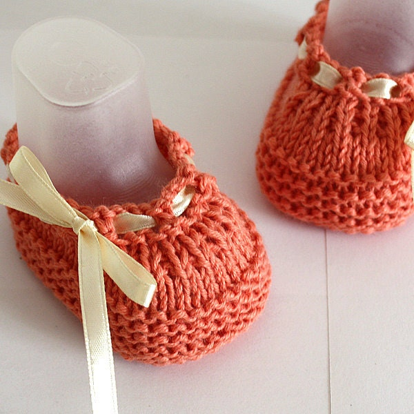 Baby Knitted Shoes Pattern : Knitting Pattern PDF file Baby Shoes Beatrice sizes