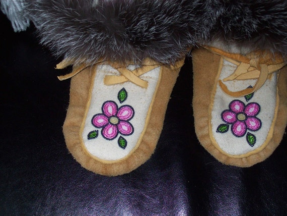 ladies size 7 authentic mukluk boots