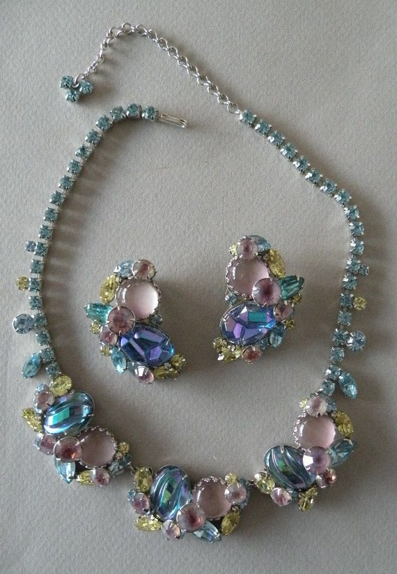 Vintage Pastel Rhinestone and Glass Necklace, Earing Set