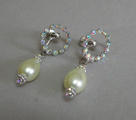 Rhinestone & Pearl Earings