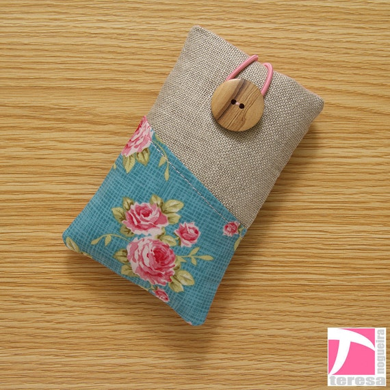 iPhone 4 case / iPod sleeve / cell phone protector