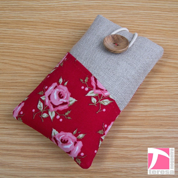 "Reserved for user "" Carolyn Power"" - iPhone 5 / Padded iPhone 4 sleeve / pink roses over red"