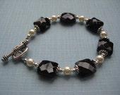 Bracelet, Black Onyx and Swarovski Pearl Beads Bracelet with Heart Clasp