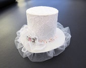White lace mini top hat. Child fascinator top hat. White top hat with rhinestone brooch. Bridal top hat. Prom top hat.