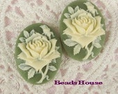 90s-IV-CA  4pcs  (18 x 25mm )Pretty Roses Cabochon Cameo Ivory on Green