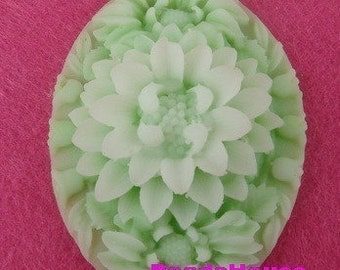 399-00-CA  2 pcs  Large Bautiful Oval Flower Cabochon - Apple Green.