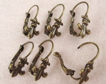 25% OFF- EH-O4  10pcs(5 pairs)  Antique Brass, silver Plated  Ear-Post,Nickel Free.
