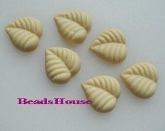 62-5-01-550-CA  10Pcs  Leaf Cabochon - Almond