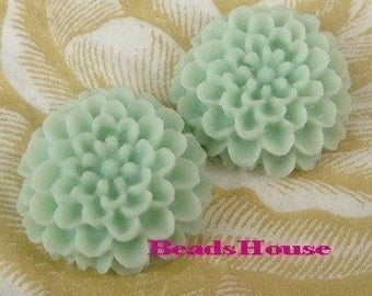 622-628-CA  4pcs Pretty Chrysanthemum Cabochon-Ice Mint.