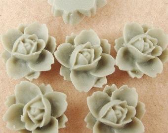 NEW 620-00-7527-CA  6pcs  Beautiful Rose Cabochons - Shell Grey