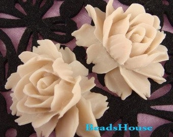 34-05-165-CA  2pcs Cabbage Rose Cabochon - Bleached Sand.