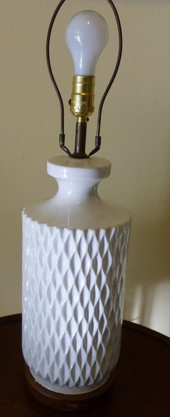 Vintage Mid Century Modern Honeycomb Table Lamp White 1970s White