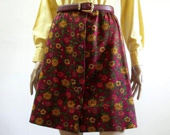 Vintage  1970s Mini Skirt Maroon Wool Floral Button Front Skirt / Small