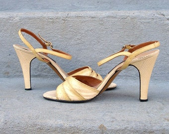 Vintage 1960s High Heels Yellow Ombre Snakeskin Ankle Strap High Heel Sandals / 6.5 to 7B