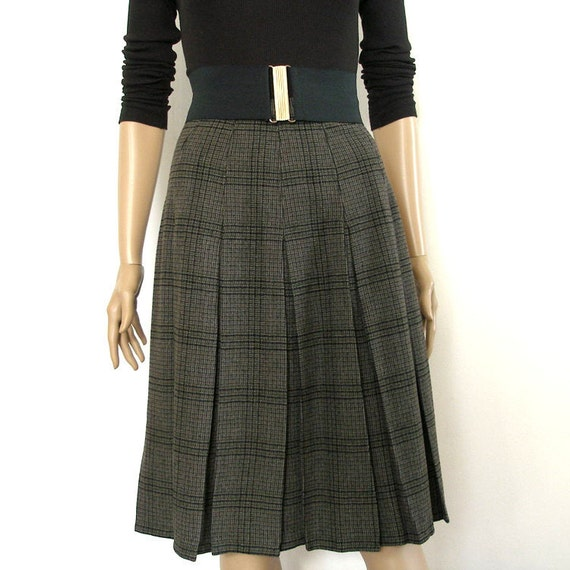 Vintage 1960s Pleated Skirt Wool Black Gray Plaid School Girl Skirt / XS
