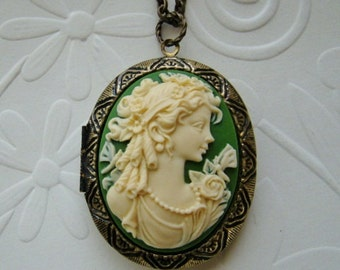 Cameo Locket Lady Face Bride Bridesmaid Mother Wife Anniversary Gift Friend Sister Daughter Emerald Cream Photo Pictures - Martha