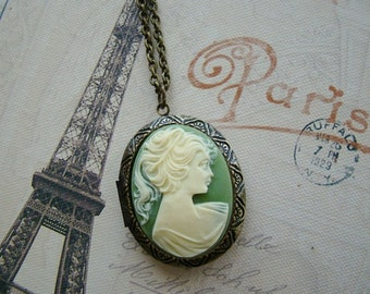 Cameo Locket Necklace Wedding Bride Girl Cream/Green Wife Anniversary Daughters Sister Photo Pictures - Margaret