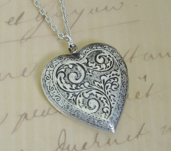 Large Silver Heart Locket Christmas Hanukkah Wedding Jewelry Bride Bridesmaid Mother Wife Anniversary Birthday Photo Picture - Lovin Feeling